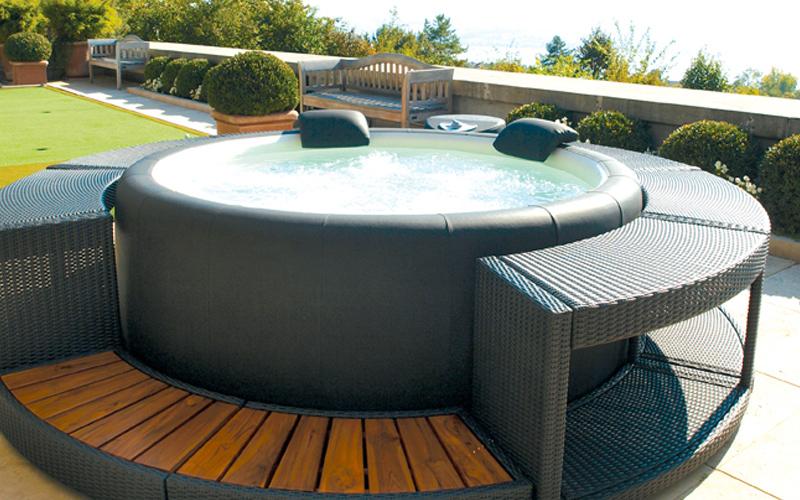 Vendita piscine idromassaggio a siena for Piscine in offerta