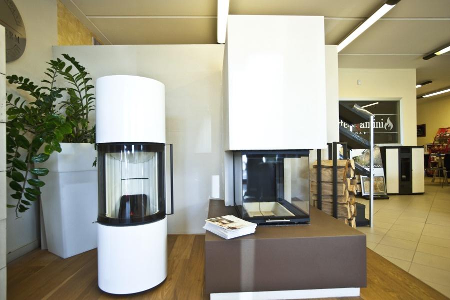 il nostro showroom stufe e camini siena